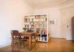 Berliner Zimmer (Regale zurzeit nicht besetzt)